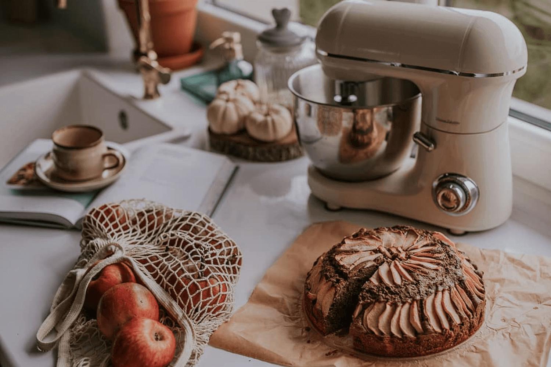 Ciasto biszkoptowe z jabłkami by p_ifonka